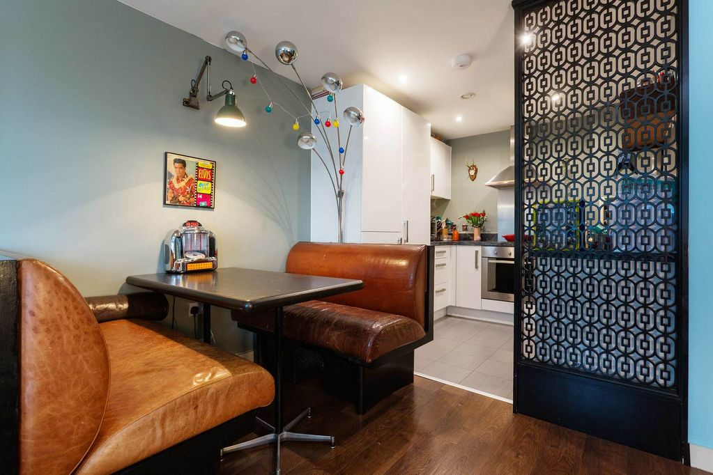 Quirky apartment-8